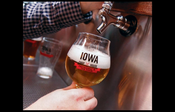 Beer on tap at Iowa Chop House
